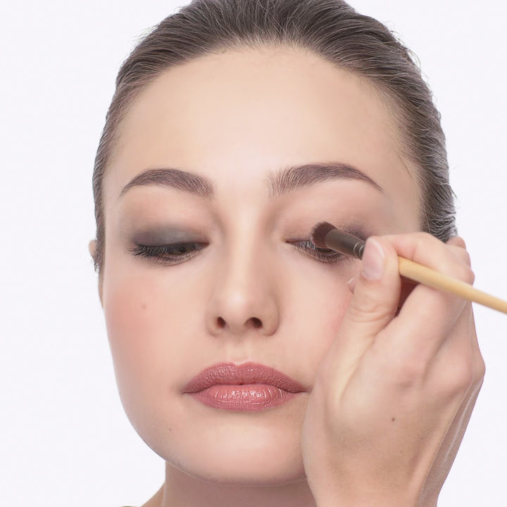 Make Up Application